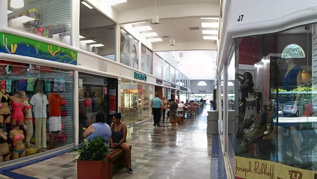 Pasillos-plaza-manzanillo